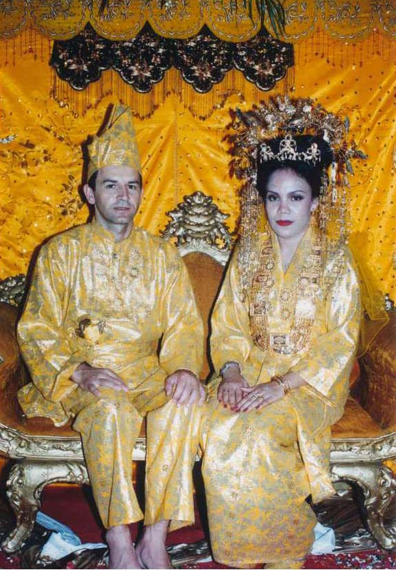 Melayu wedding dress